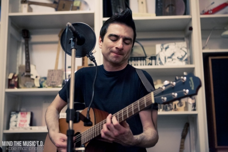 01 Anti-Flag Acoustic-4